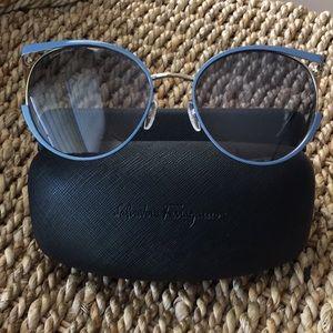 Salvatore Ferragamo sunglasses women includes case